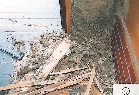 トラブル事例その4. シロアリ被害で家に住めないレベル